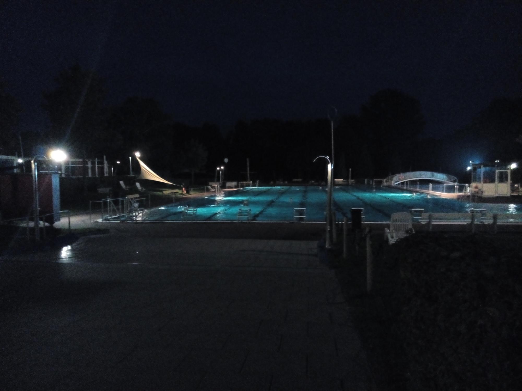 Freibad  bei Nacht